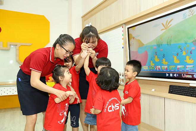 Phụ huynh Sài Gòn hào hứng tới lễ khai trương Trung tâm CMS mới - 3