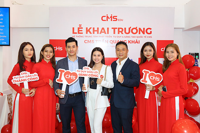 Phụ huynh Sài Gòn hào hứng tới lễ khai trương Trung tâm CMS mới - 1