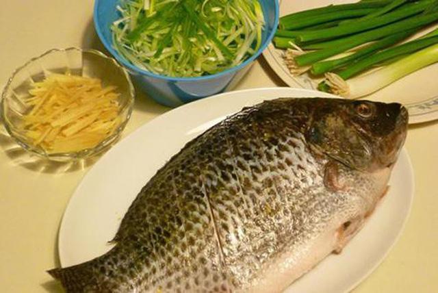 Cho gừng và hành vào món cá lúc nào để khử sạch tanh và nổi vị nhất? - 1