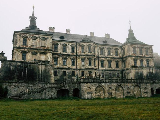 Những lâu đài cả triệu đô bị bỏ hoang khiến du khách tiếc hùi hụi - 6