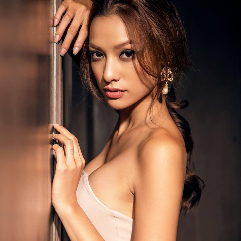 """""""Kim siêu vòng 3 showbiz Việt"""": Ăn rau tăng lực của Popeye, tự tin vì đùi bự - 1"""