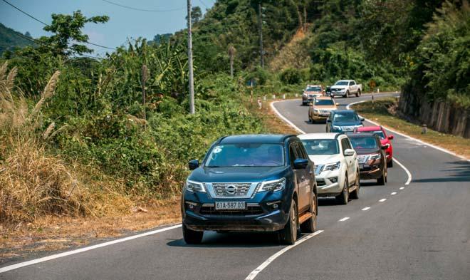 Nissan Việt Nam giảm giá cho SUV 7 chỗ Terra 2019 - 2