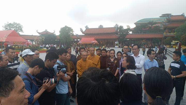 Phật tử chùa Ba Vàng thi nhau kể chuyện