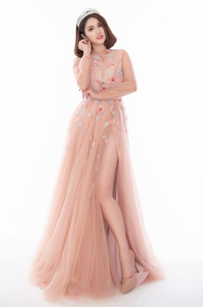 Hoa hậu Áo dài đọ sắc vợ cũ Phan Thanh Bình với váy màu nude - 4