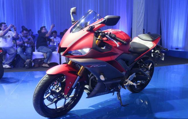 2019 Yamaha YZF-R25 chốt giá bán, hút dân tập chơi - 1