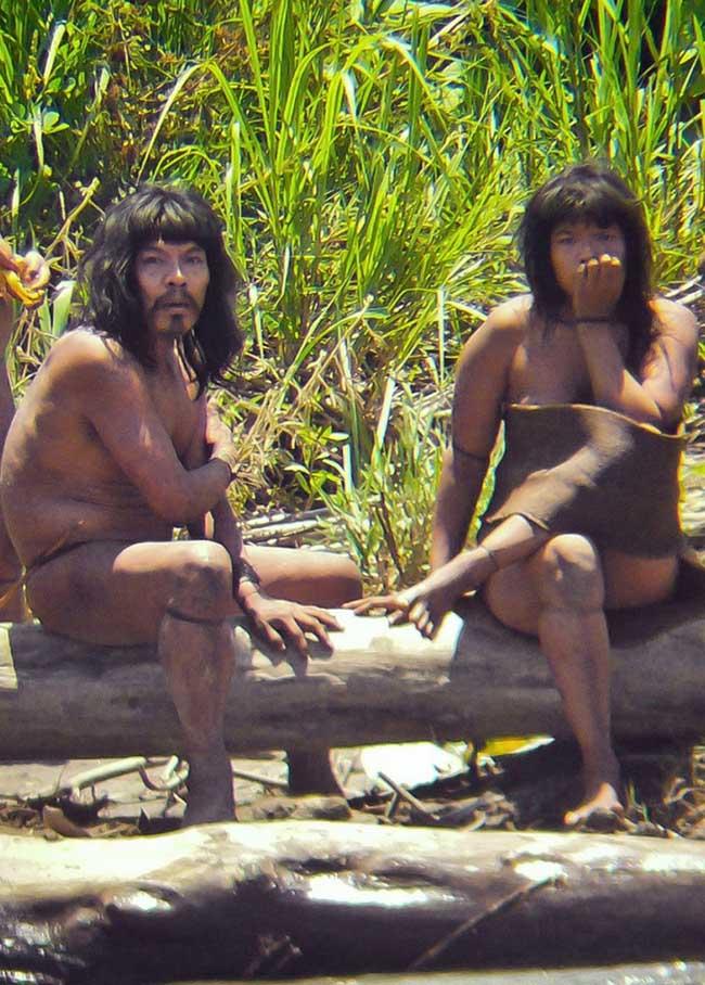Giật mình với những bộ lạc thiểu số ít người nhất trên thế giới - 2