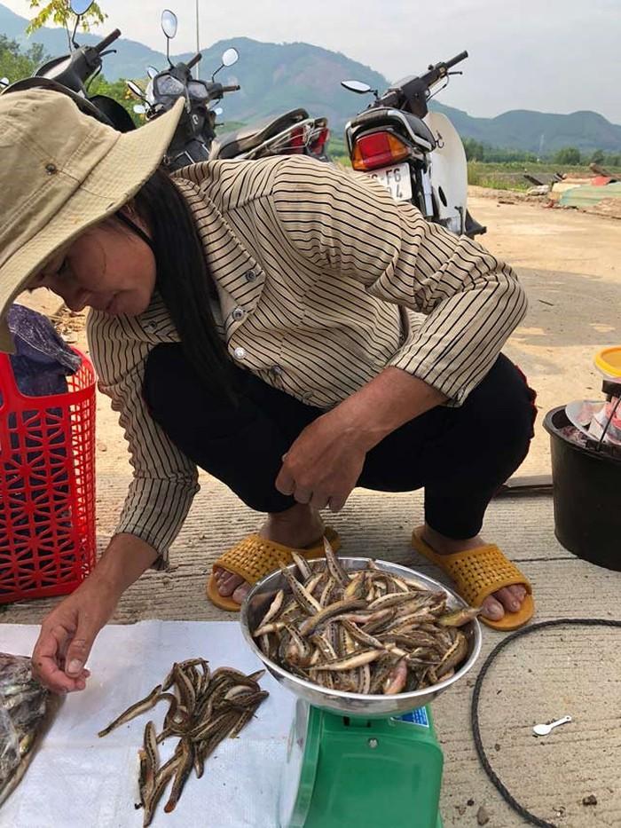 """Tứ """"độc"""" đặc sản cá cực hiếm ở miền núi, có tiền cũng khó mua - 13"""
