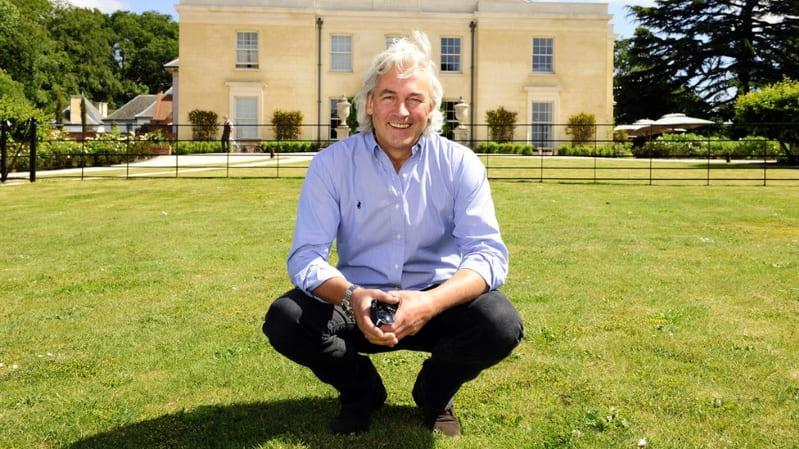 Từ trượt đại học đến trở thành ông chủ khách sạn quyền lực nhất nước Anh - 1