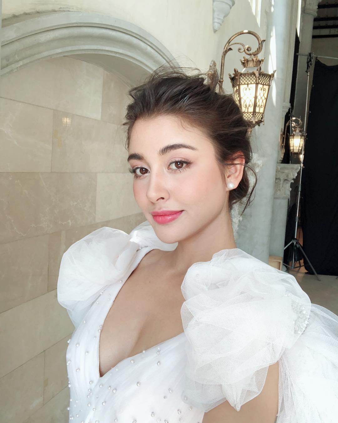 """Choáng ngợp vợ, bồ cầu thủ U23 Thái Lan: Đẹp nhất là bạn gái """"CR7 chùa Vàng"""""""