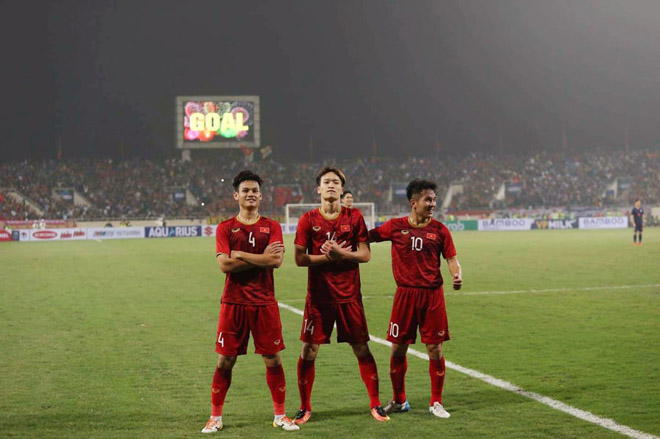 Quang Hải - Hoàng Đức U23 Việt Nam nhảy múa ghi bàn, HLV Thái Lan nể phục - 2