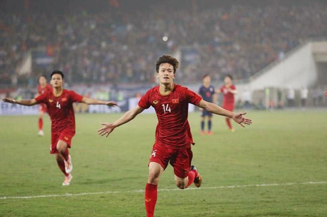 Quang Hải - Hoàng Đức U23 Việt Nam nhảy múa ghi bàn, HLV Thái Lan nể phục - 1