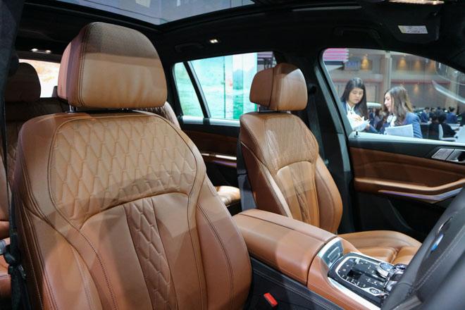 """""""Khủng long"""" BMW X7 chào sân Đông Nam Á với giá bán từ 6,5 tỷ đồng - 8"""