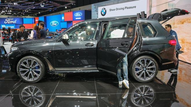 """""""Khủng long"""" BMW X7 chào sân Đông Nam Á với giá bán từ 6,5 tỷ đồng - 2"""