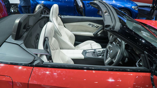 Cận cảnh BMW 3-Series G20 và BMW Z4 thế hệ mới vừa ra mắt tại Thái Lan - 13