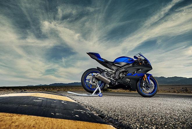 Yamaha YZF-R1 và YZF-R6 ra mắt màu mới, giá không đổi - 2