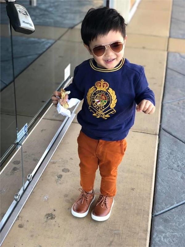 """Mới 2 tuổi, con trai Đan Trường đã đầy quần áo hàng hiệu, xứng danh """"Rick Kid"""" - 2"""