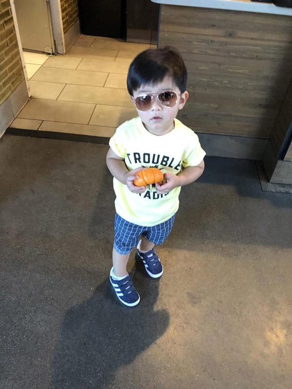 """Mới 2 tuổi, con trai Đan Trường đã đầy quần áo hàng hiệu, xứng danh """"Rick Kid"""" - 8"""