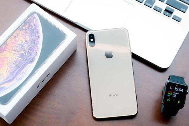 Mua iPhone XS chơi Xuân có còn phù hợp? - 1