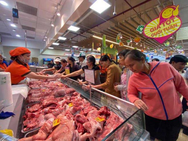 Cuối năm, thịt heo ngoại tràn vào Việt Nam - 1
