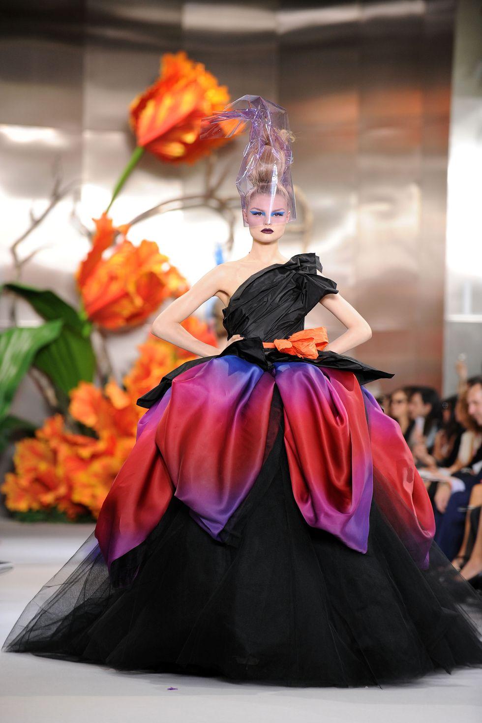13 bộ sưu tập thời trang mang tính cách mạng nhất thập kỷ qua - 2
