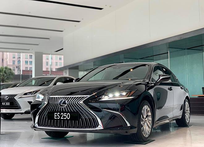 Lexus ES 250 2020 chính thức có mặt tại Việt Nam, giá từ 2,54 tỷ đồng