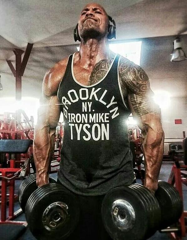 Núi cơ bắp của The Rock xứng đáng là thần tượng của cánh đàn ông - 3