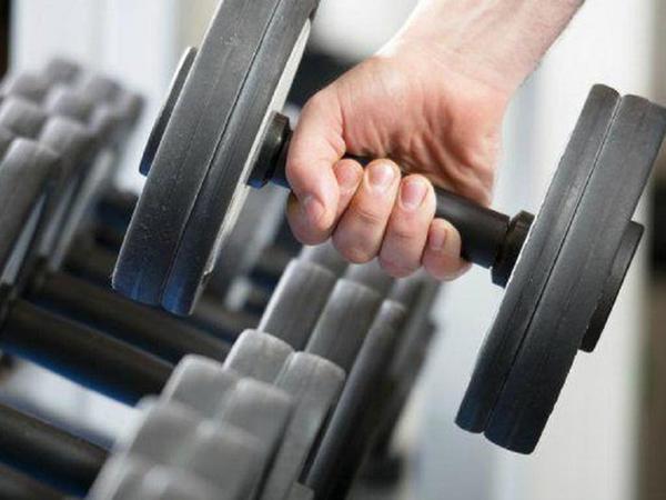 Núi cơ bắp của The Rock xứng đáng là thần tượng của cánh đàn ông - 4