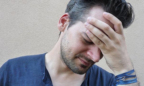 Thức dậy vào buổi sáng thấy đau đầu và hay quên: 6 triệu chứng u não đang hình thành - 1