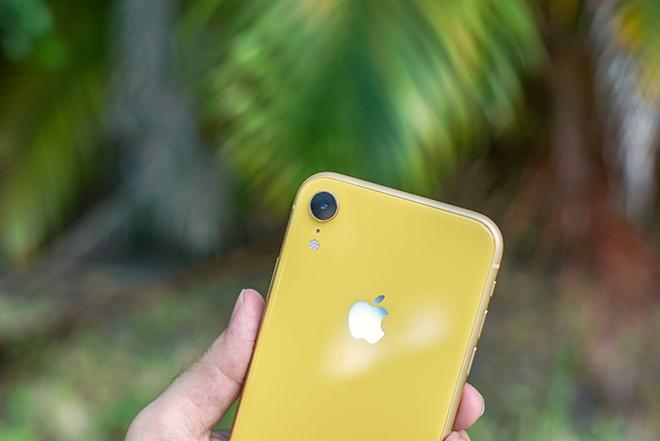 """iPhone XR giá từ 11,5 triệu đồng có còn """"chất"""" trong Tết Canh Tý? - 3"""