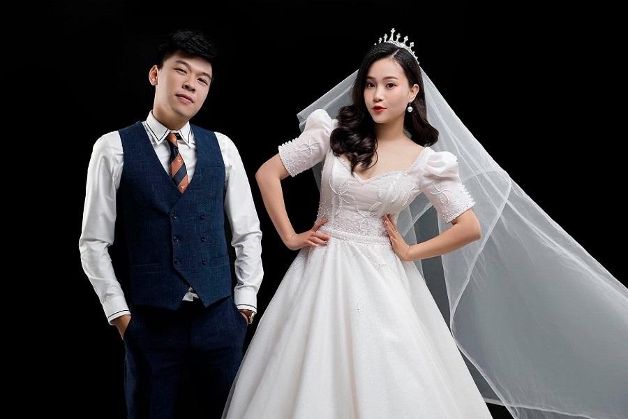 """Trung Ruồi """"mải chạy show"""", thay đổi cả giờ cưới: Sự thật ngỡ ngàng - 2"""