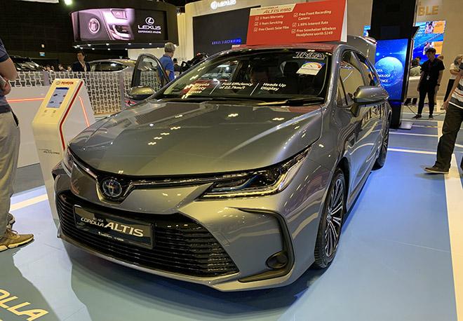 Cận cảnh Toyota Corolla Altis 2020 hoàn toàn mới tại Singapore Motor Show - 1