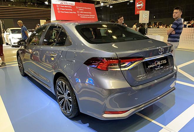 Cận cảnh Toyota Corolla Altis 2020 hoàn toàn mới tại Singapore Motor Show - 2