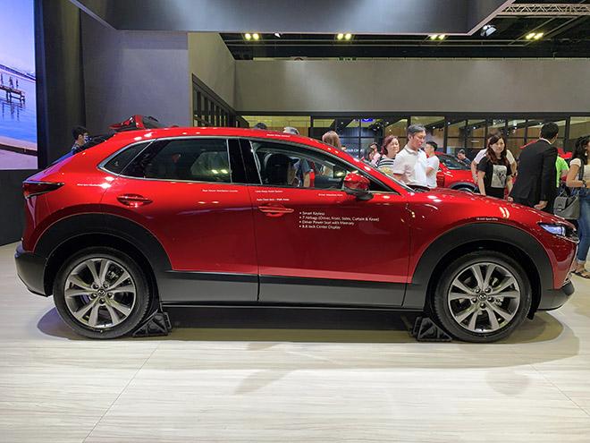 Cận cảnh Mazda CX-30 tại Singapore Motor show, giá từ 2,12 tỷ đồng - 3