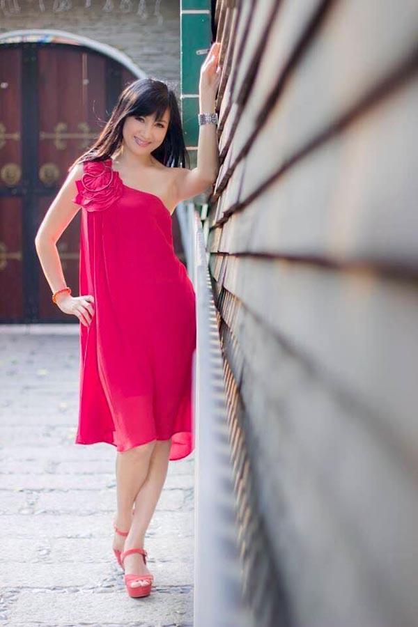 """""""Nữ hoàng ảnh lịch"""" Hiền Mai bày cách giữ cân nặng chuẩn dù tiệc tùng ngày Tết - 3"""