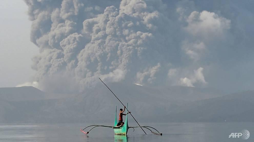 """Philippines """"đóng cửa"""" thủ đô, 20 vạn người phải sơ tán vì núi lửa phun trào như cảnh tận thế - 5"""
