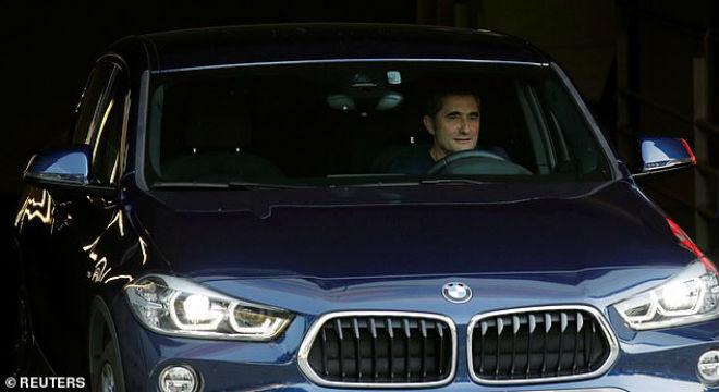 Barca chính thức sa thải Valverde: Thầy mới Messi khiến nhiều người ngỡ ngàng - 1