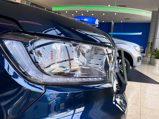 Ford bổ sung màu sắc mới cho dòng xe Everest tại thị trường Việt - 4