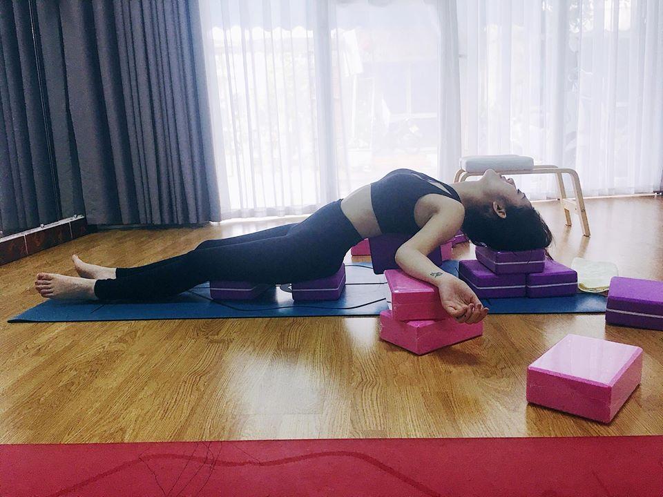 Trang Cherry tập yoga giữ dáng - 2