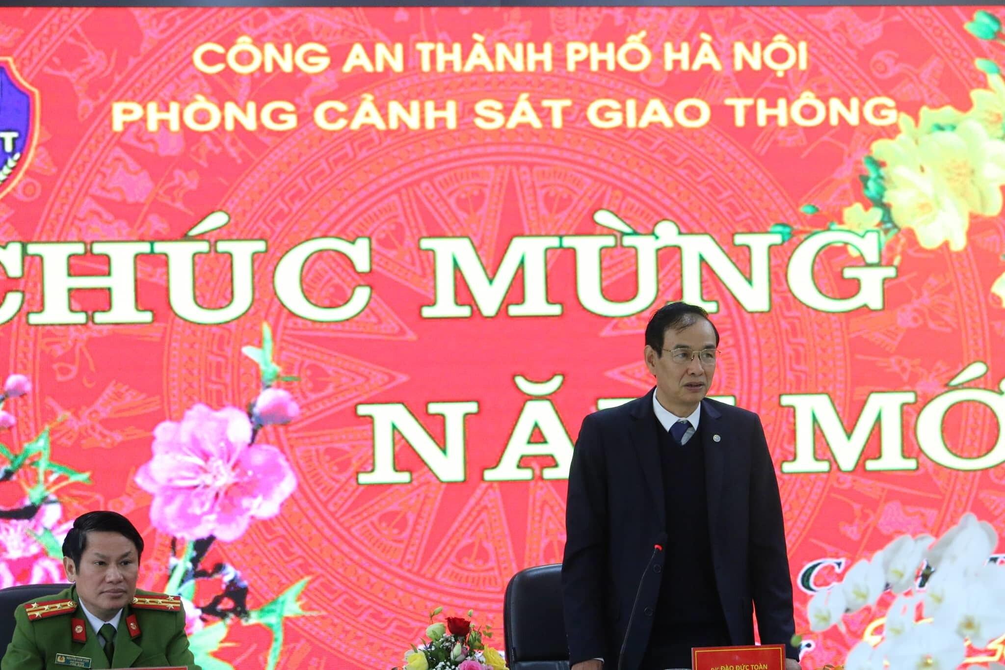 30 tổ cảnh sát 141 chốt trực suốt ngày đêm khắp địa bàn Hà Nội - 1