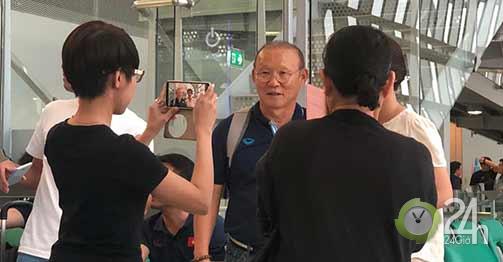 Thầy Park nhường vé bay thẳng về Hà Nội cho cầu thủ U23 Việt Nam-Bóng đá 24h