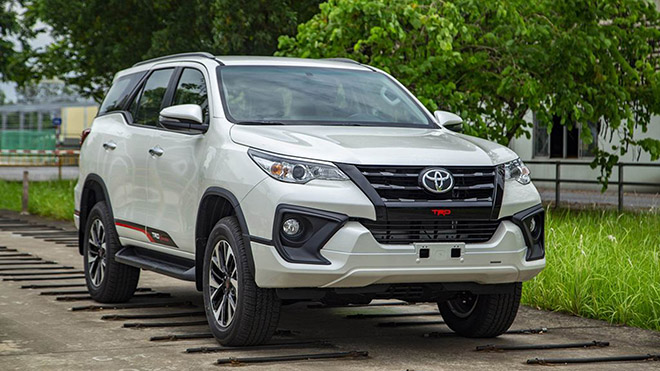 ToyotaFortunerphinbnnngcpfaceliftchythtiThiLan2