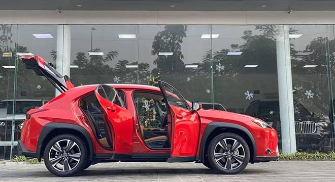 Cận cảnh Lexus UX 2020 vừa về Việt Nam, giá khoảng 2 tỷ đồng - 3