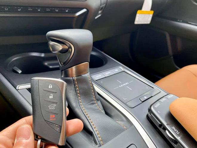 Cận cảnh Lexus UX 2020 vừa về Việt Nam, giá khoảng 2 tỷ đồng - 8