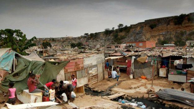 """Nữ tỷ phú giàu nhất châu Phi """"bòn rút"""" hàng tỉ USD của quốc gia như thế nào? - 2"""