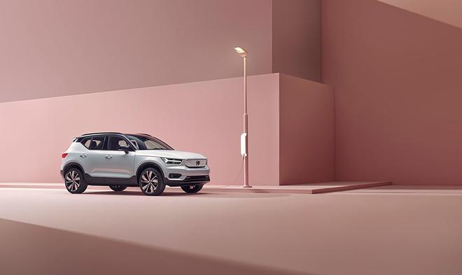 XC40 Recharge - mẫu xe điện đầu tiên của Volvo bùng bổ đơn đặt hàng, giá bán từ 1,39 tỷ đồng - 1