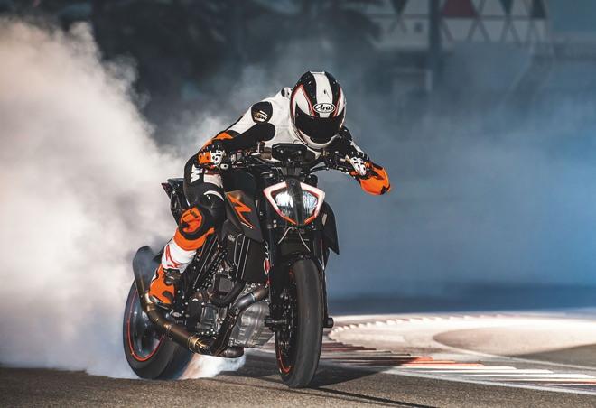 Siêu naked bike 2020 KTM 1290 Super Duke R ra mắt, chốt giá gần 500 triệu đồng