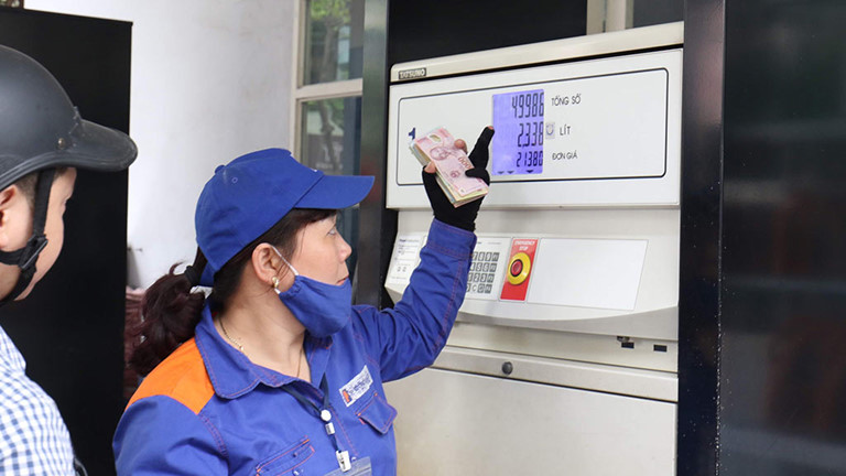 Giá xăng dầu đồng loạt giảm ngay sau Tết Nguyên đán 2020 - 1