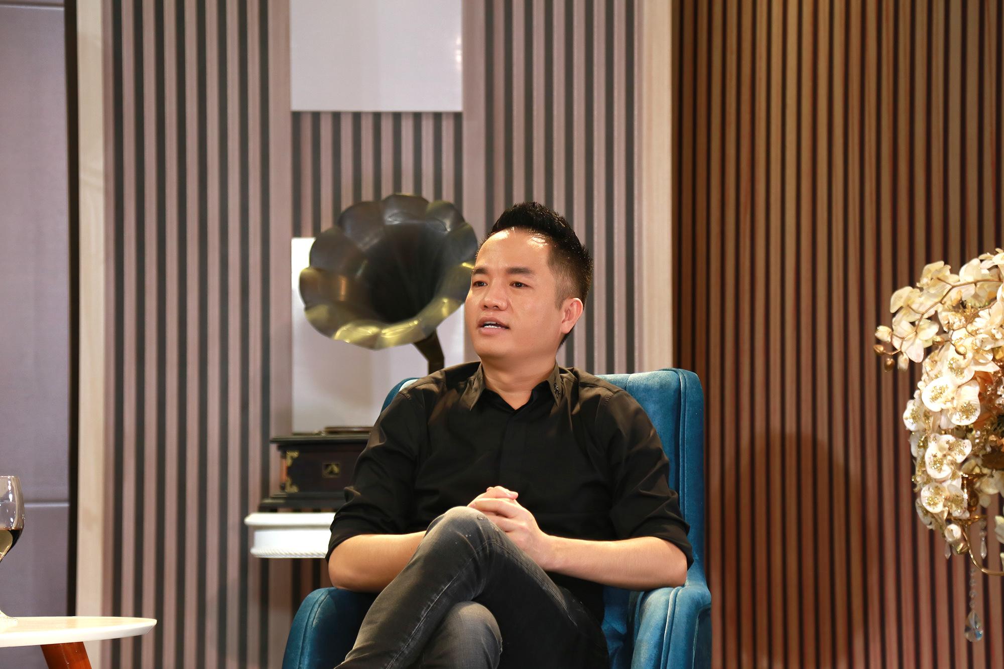 """Ông bầu được đại gia ở Long Khánh tặng xe biển 9999 để lăng xê """"gà"""" là ai? - 2"""