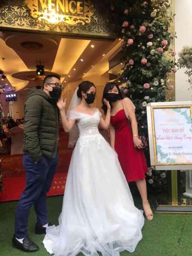 Cưới đúng mùa virus corona, cô dâu có những tấm ảnh