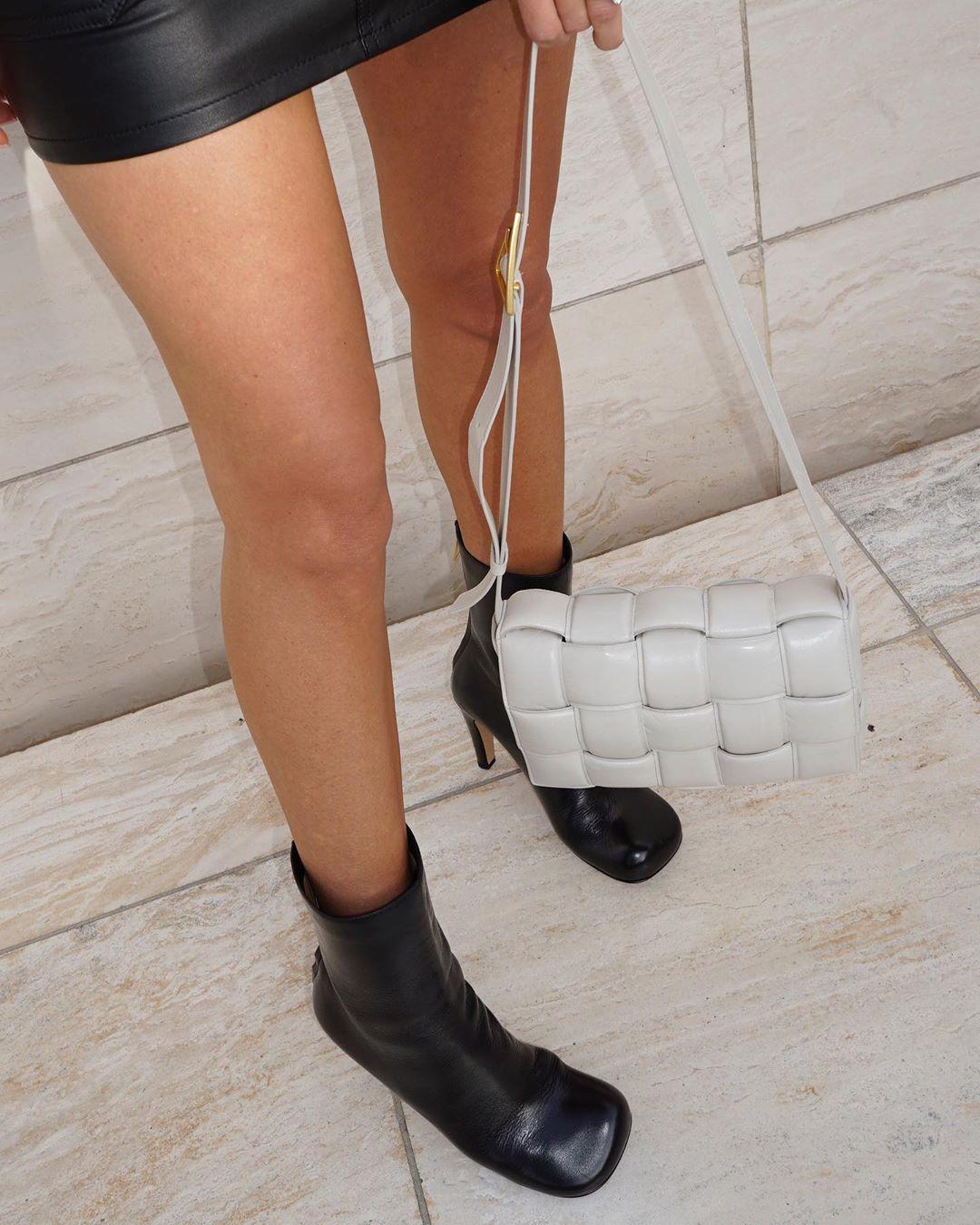 Những chiếc túi đáng ham muốn của vợ 'người vận chuyển' Jason Stathamp - 2